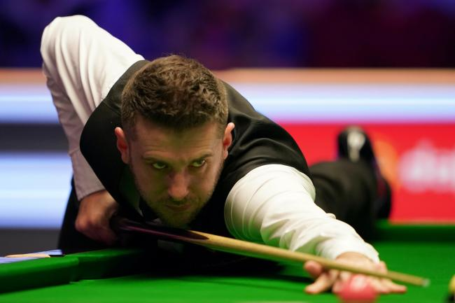 Mark Selby produced a concerted fightback to take a 9-7 lead in his World Championship semi-final clash with Ronnie O'Sullivan